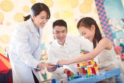 成都 西安/成都圣贝国际牙科在进行牙龈出血治疗方法深受市民的信赖,其...